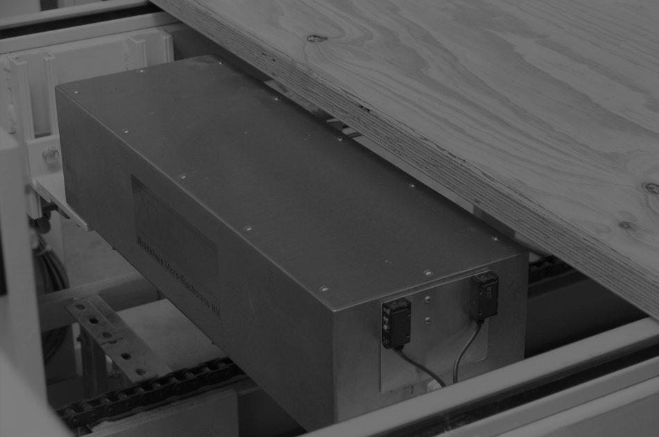 Détecteur d'humidité/densité transversal au rabotage et au sciage